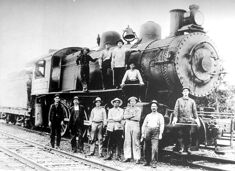 Brunswick-MD-Rail-Yard-Workers-with-Engine-1005-c1890s